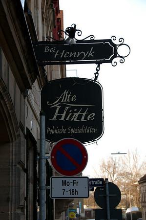 """Inn sign of restaurant """"Alte Hütte bei Henryk"""", Angerstr., Fürth"""